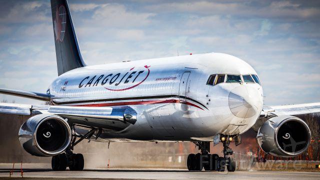 BOEING 767-200 (C-FMCJ)