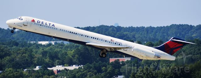 McDonnell Douglas MD-88 (N960DL) - Mad Dog departing 23R for ATL, 8/26/18.