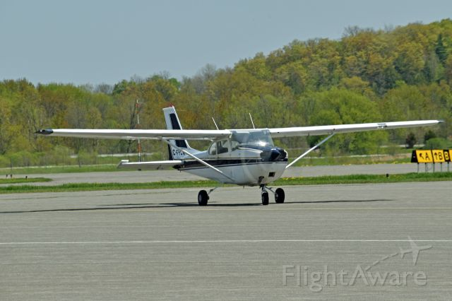 Cessna Skyhawk (C-FYCN) - 1969 Cessna 172K Skyhawk (C-FYCN/172-57667) taxiing around Apron 2 (in front of the terminal) and returning to its tie down area on May 17, 2021