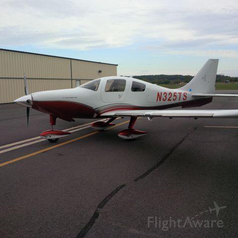 Cessna 400 (N325TS)