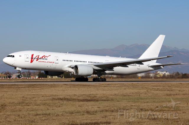 Boeing 777-200 (VP-DDQ)