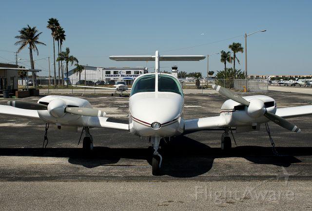 Piper PA-44 Seminole (N2196V)