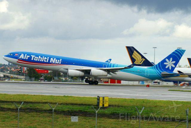 Airbus A340-300 (F-OLOV)