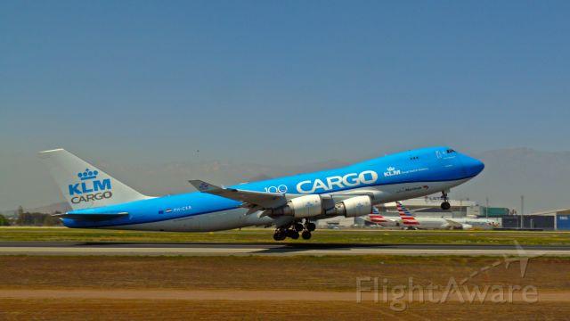 Boeing 747-400 (PH-CKB) - KLM CARGO DESPEGANDO DESDE EL AEROPUERTO INTERNACIONAL ARTURO MERINO BENITEZ, SANTIAGO DE CHILE.br /FOTO: SPOTTER JULIO VILLARROEL MAUNA