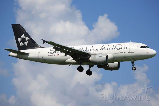 Airbus A319 (N703UW)