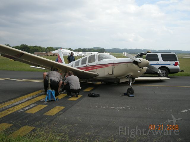 Piper Cherokee (N1198H) - Aborted low speed taxi. Inadequate lift on left wing.