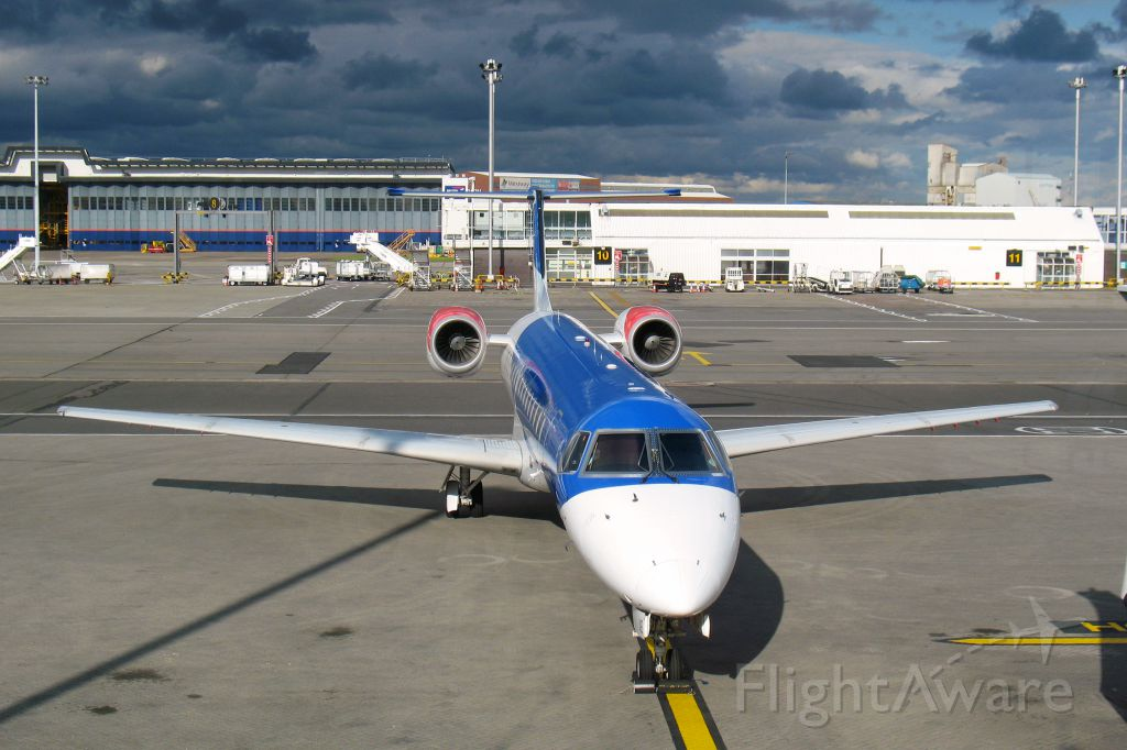 Embraer ERJ-145 (G-RJXE) - BMI Embraer ERJ-145EP G-RJXE in Glasgow International Airport