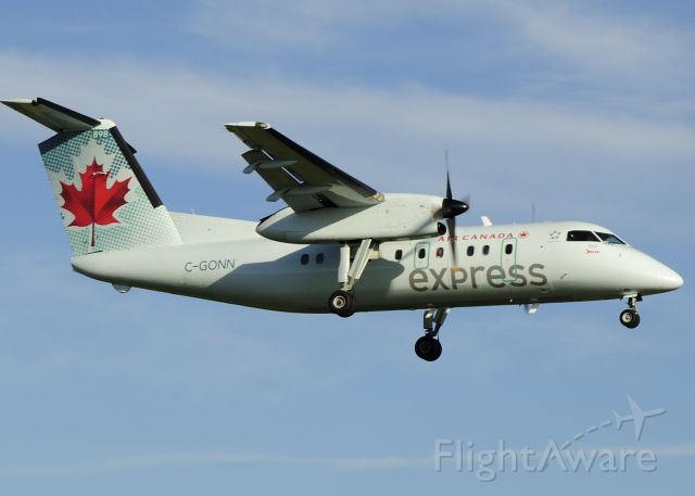 de Havilland Dash 8-100 (C-GONN) - Arriving from Montreal Trudeau airport.