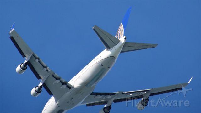 Boeing 747-400 (N120UA) - Tail number N120UA, KSFO-->VHHH, 20150213-135304