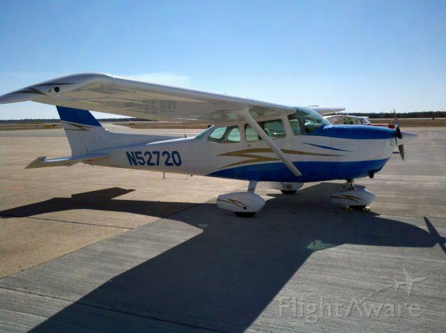 Cessna Skyhawk (N52720)