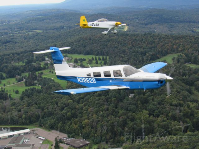 Piper Lance 2 (N39526) - Flying with friends!