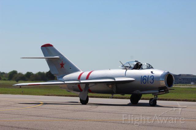 MIKOYAN MiG-17 (NX917F)