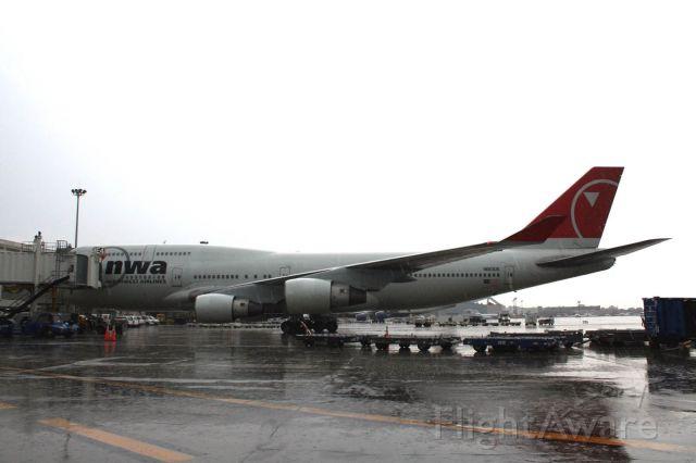 Boeing 747-400 (N663US) - diversion while operating AMS-DET