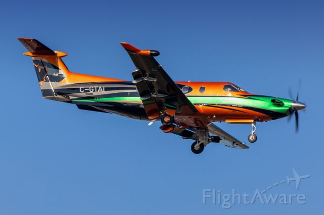 Pilatus PC-12 (C-GTAI) - Thompson Aviation's PC12 on final for 35R from ZVL.