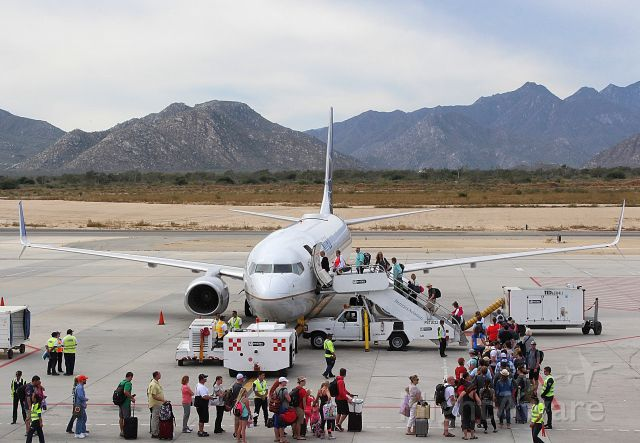 Boeing 737-900 — - United Airlines flight 1477 bound for Newark from Cabo San Lucas