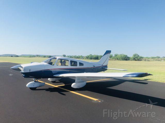 Piper Cherokee (N8337A)