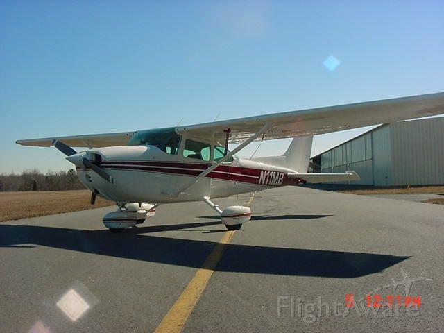 Cessna Skyhawk (N11MB)
