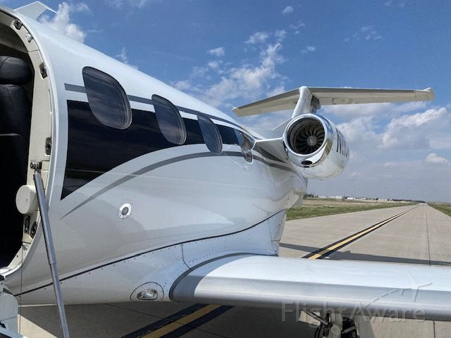 Embraer Phenom 100 (N11CR)