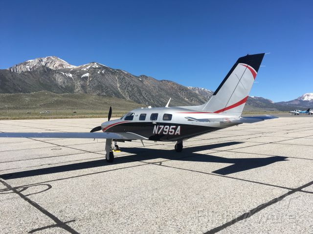 Piper Malibu Mirage (N795A) - N795A - KMMH