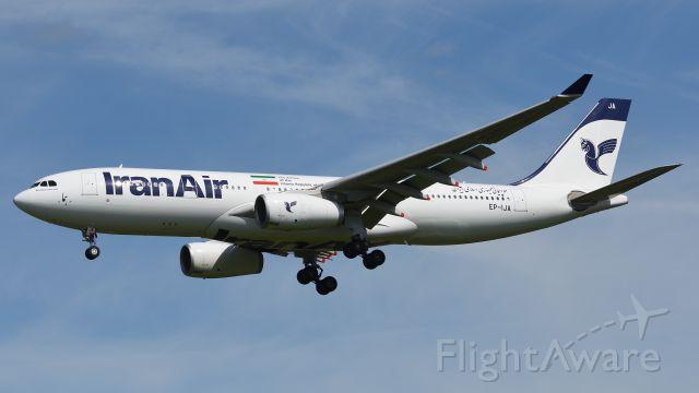 Airbus A330-200 (EP-IJA)