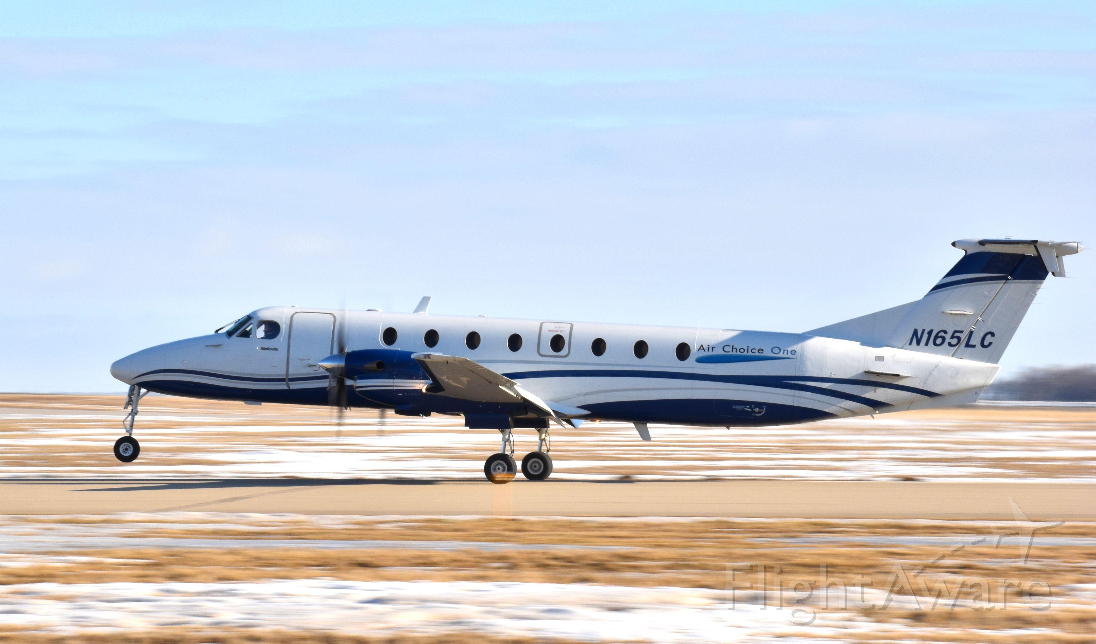 Beechcraft 1900 (N165LC) - Air Choice One's B1900 landing at MCW.