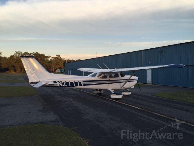 Cessna Skyhawk (N2777T) - T-Hangar, November 30, 2015, Herlong Airport, Jacksonville, Florida