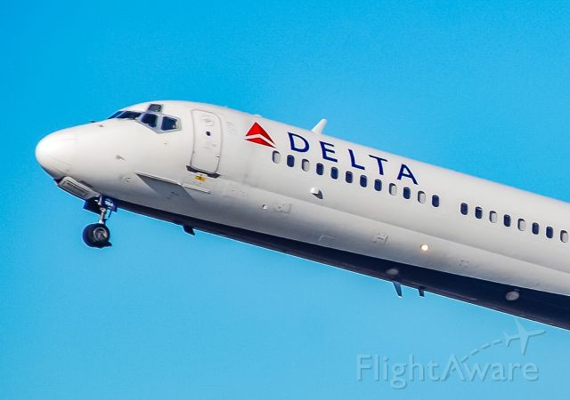 McDonnell Douglas MD-88 (N984DL) - Just beginning to retract the landing gear after takeoff.  Heading back home to ATL.  Enjoy every moment of the MD-88 that you can!  This picture was taken spring of 2019 and this particular MD-88 has since been retired.