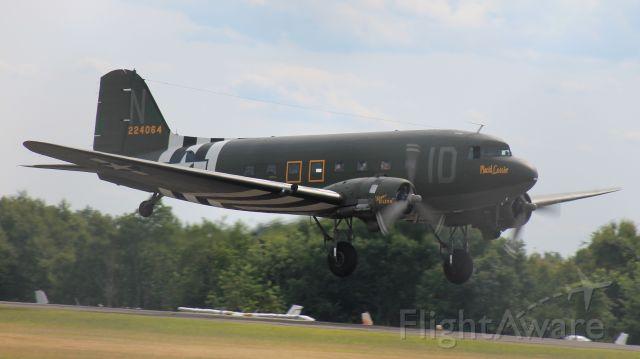 Douglas DC-3 (N74589)