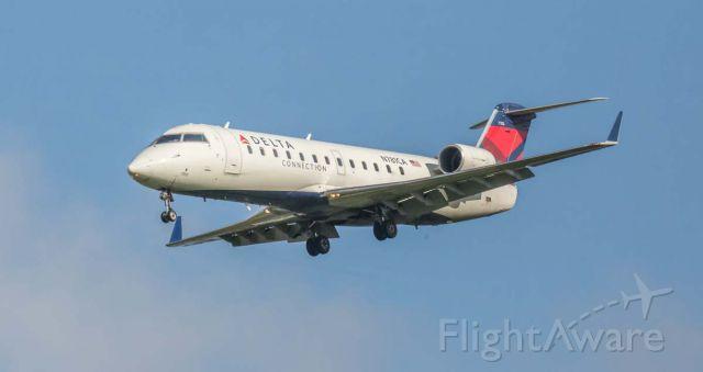 Canadair Regional Jet CRJ-200 (N781CA)