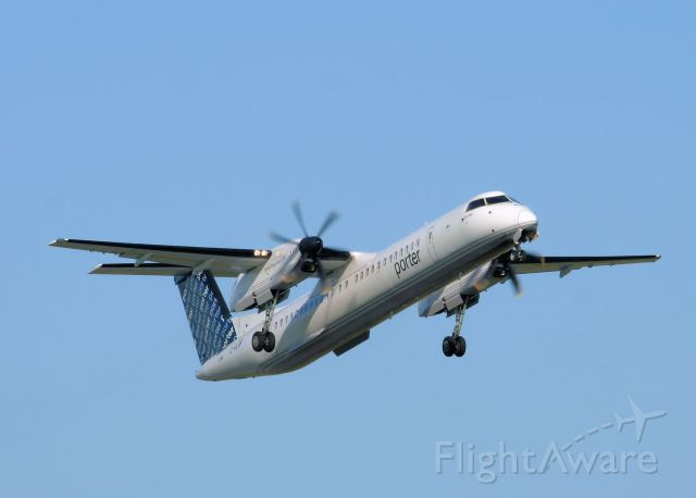 de Havilland Dash 8-400 (C-GLQR)