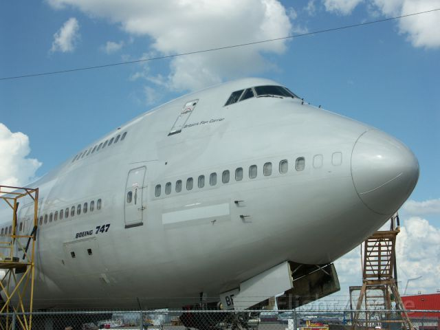 Boeing 747-200 (G-VIBE) - Getting some work done at KSAT