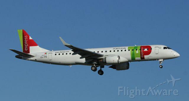 Embraer ERJ-190 (CS-TPQ)