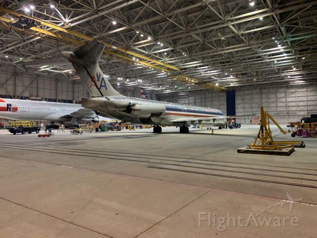McDonnell Douglas MD-83 (N980TW)