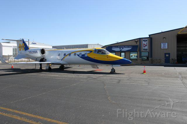 Learjet 60 (N929SR) - Waco Flying Service FBO
