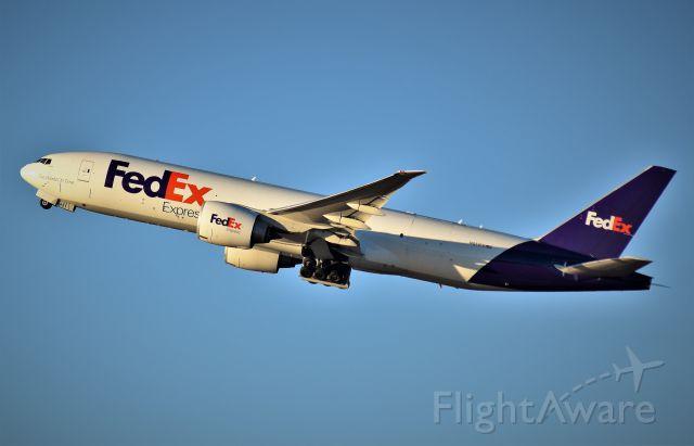 Boeing 777-200 (N851FD) - FedEx 77F departs IAH intercontinental (Houston) for it's next destination.