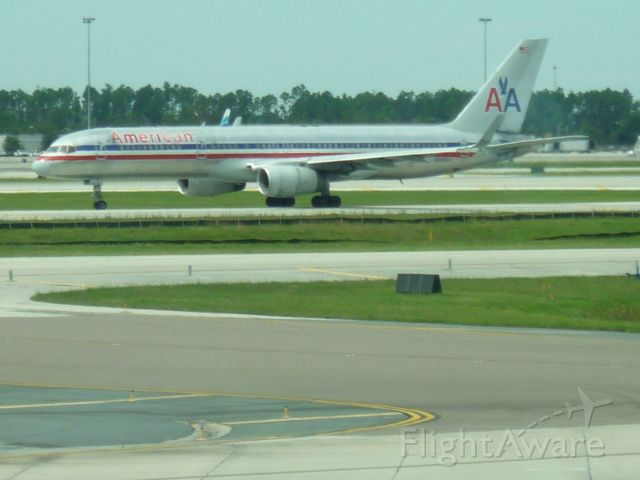 — — - 757 taxing to leave MCO