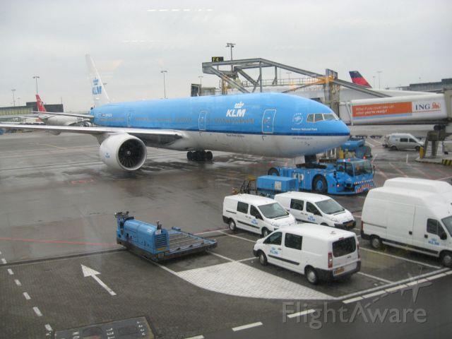 Boeing 777-200 (PH-BQN) - Boeing 777-206/ER