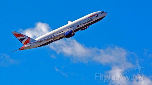 Boeing 747-200 (G-YMMJ)