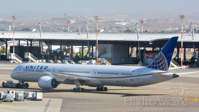 BOEING 787-10 Dreamliner (N16008) - pushing back from his gate in TLV