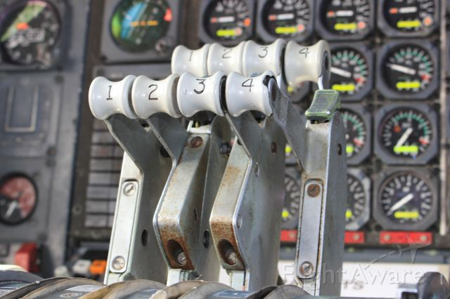 BOEING 747-100 (G-AWNG)