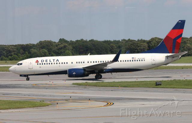 Boeing 737-700 (N3739P)