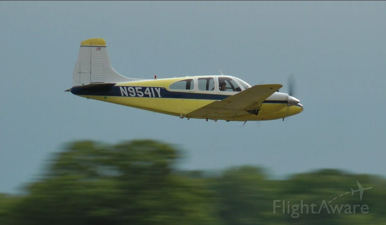 Beechcraft Travel Air (N9541Y) - Almost missed this low pass at Warrenton Va..see video on youtube...   taken by   horsemoney@aol.com