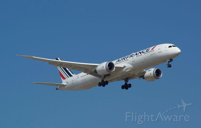 Boeing 787-9 Dreamliner (F-HRBD)
