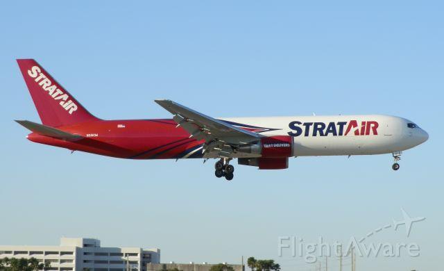 BOEING 767-300 (N351CM)