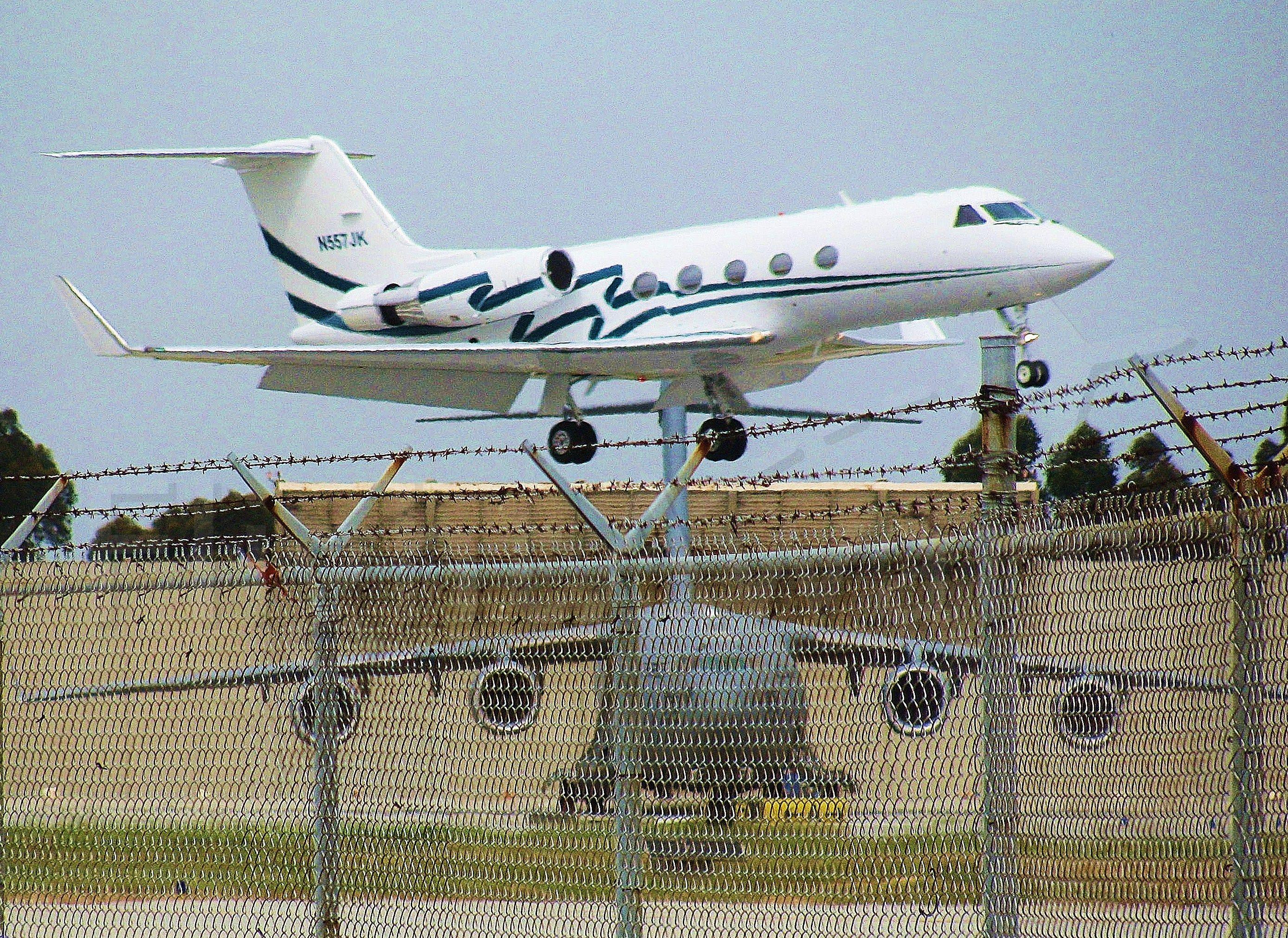 Gulfstream Aerospace Gulfstream 3 (N557JK) - Arriving after a flight from Las Vegas. The C-17 is preparing for a short test flight.