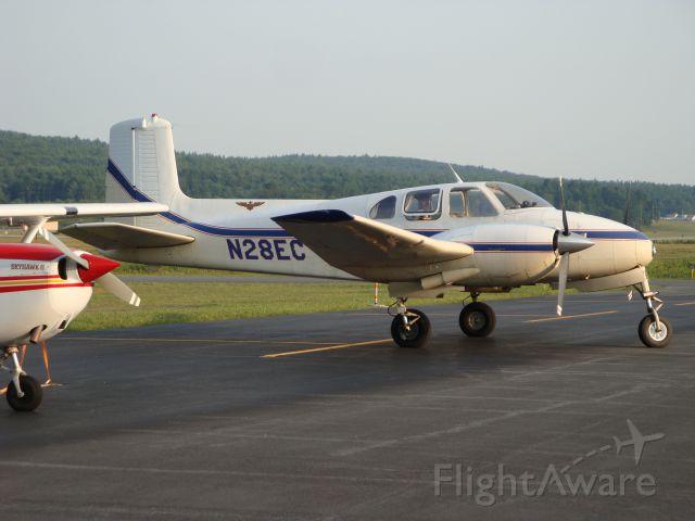 Beechcraft Twin Bonanza (N28EC)