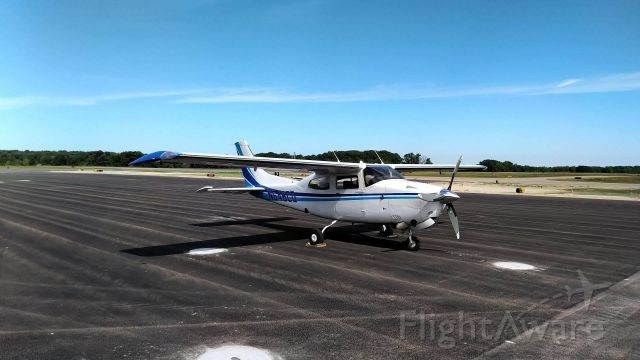 Cessna Centurion (N646CD) - On the new ramp