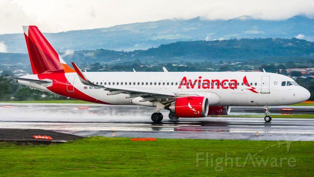 Airbus A320 (N776AV)