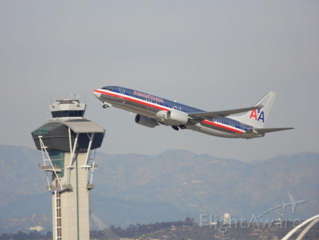 Boeing 737-800 (N897NN)