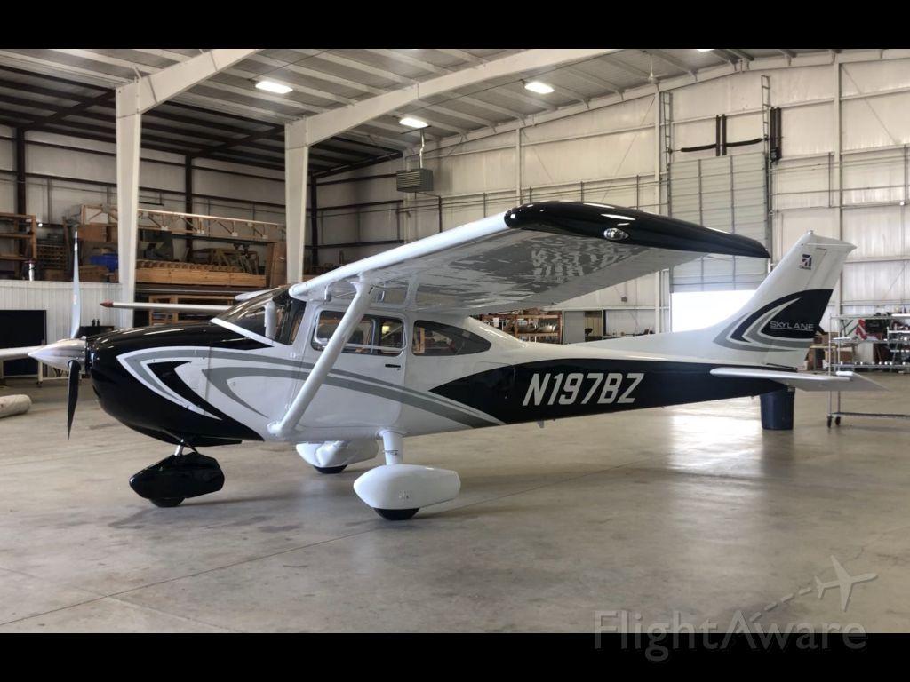 Cessna Skylane (N197BZ)
